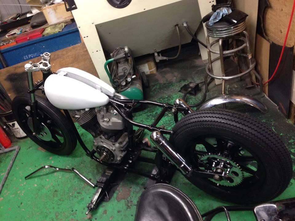 【バイク】コンパクトな車体にも使えるUNCROWDのレザー・ツールバッグUC-200